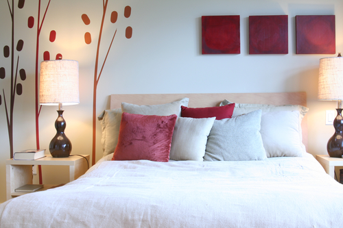 U-Story gives you Five Tips to Organize Your Guest Bedroom for Holiday Visitors